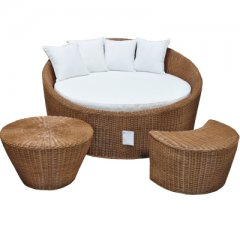 Honeymoon chair made of rattan