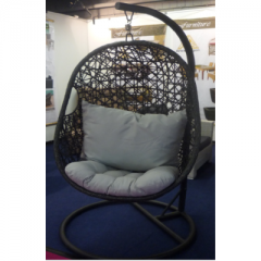 Hanging chair made of PE rattan
